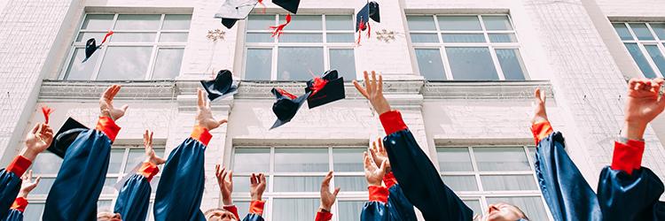 大学卒業と専門学校卒業の違い
